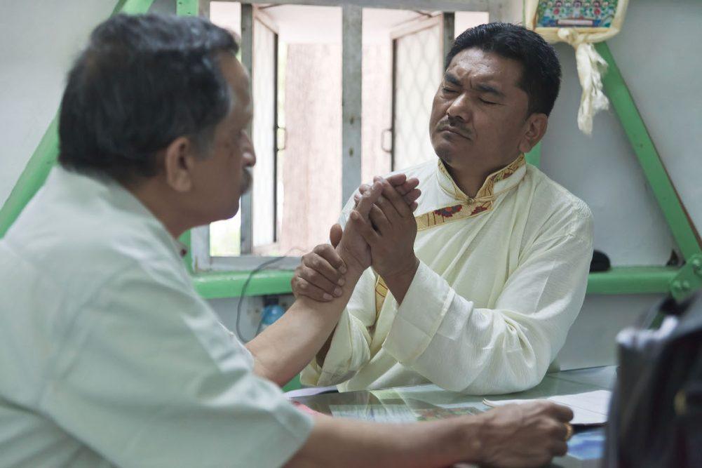 Что происходит во время консультации по тибетской медицине?