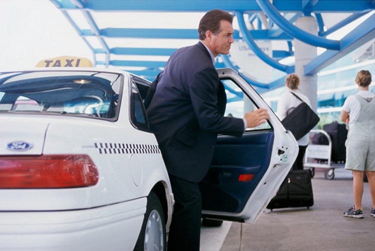 5 главных преимуществ такси в аэропорту